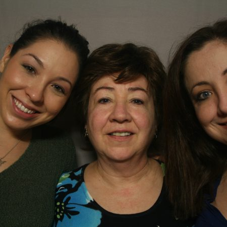 Luz Burrows-Henrice, Cristina Castro, and Maria Castro Calzada